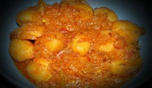 Achari Aloo Recipe In Hindi